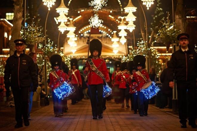 Actuación de la Guardia Juvenil del Tivoli en Navidad